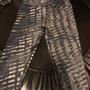 Under Armour compression leggings